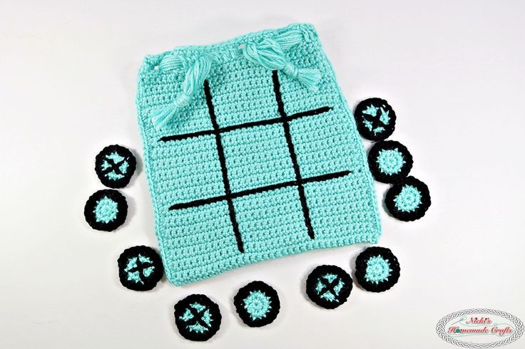 Tic Tac Toe Game as Travel Bag with Magnets - Free Crochet Pattern by Nicki's Homemade Crafts