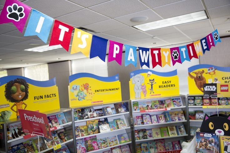 Paws in the air! Add festive energy to your Fair with a homemade banner made from felt. Toolkit keyword: BANNER