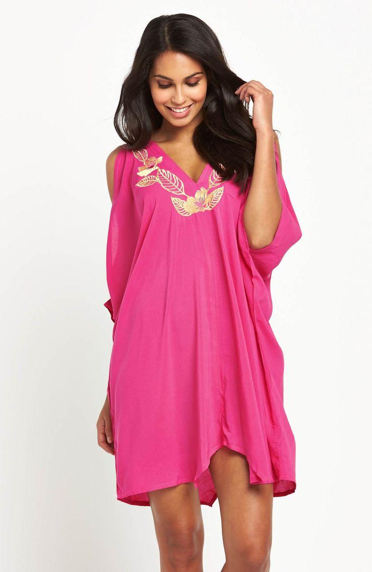 Przepiękna sukienka plażowa marki V by Very  z ozdobnym haftem. 219 zł na http://www.halens.pl/moda-damska-moda-plazowa-5791/sukienka-plazowa-576722?imageId=398899&variantId=576722-0026