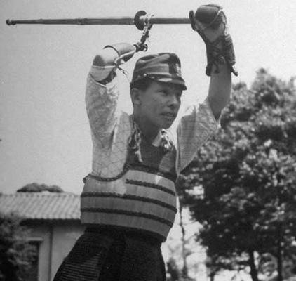 New Guinea campaign veteran practicing kendo during rehabilitation (1944)