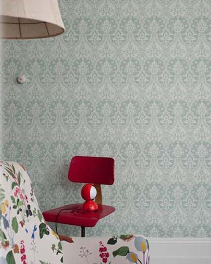wallpaper that has print but tones are similar