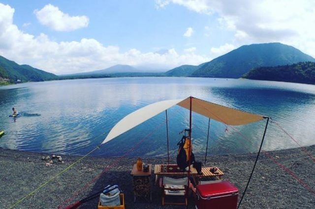 四季を全身で感じる「湖畔のあるキャンプ場」関東近郊おすすめ17選|CAMP HACK