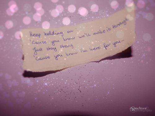 Keep holding on - Avril lavigne :)