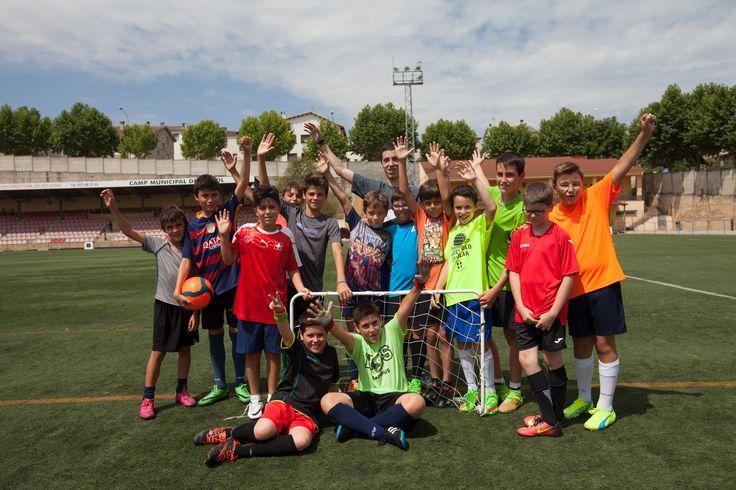 """""""Max Soccer:   Te proponemos estudiar inglés y entrenar como un profesional (aprenderás muchas técnicas y tácticas)  para jugar al fútbol.      #WeLoveBS #inglés #anglès #idiomas #Colonias  #Colonies #Campamento #Camp #Niños #Verano #english #Futbol #Soccer #Football"""""""