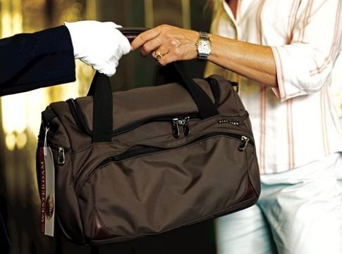 Baggage, Packing and Dress Code FAQ for Holland America Line Cruises #PackingTips