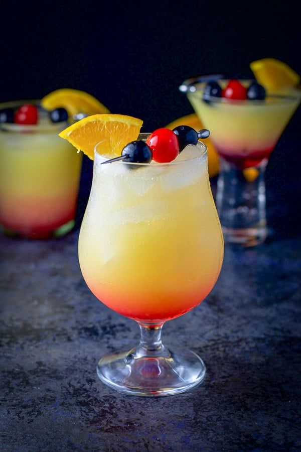 This Tequila Sunrise Cocktail Recipe Is So Pretty And Easy