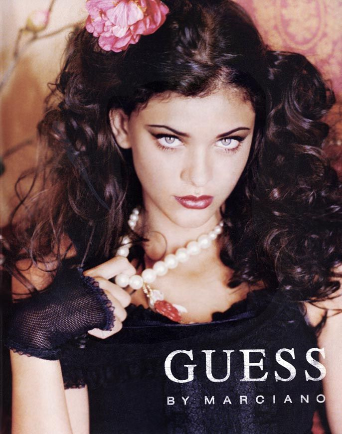 Thais Oliveria - Guess Ad