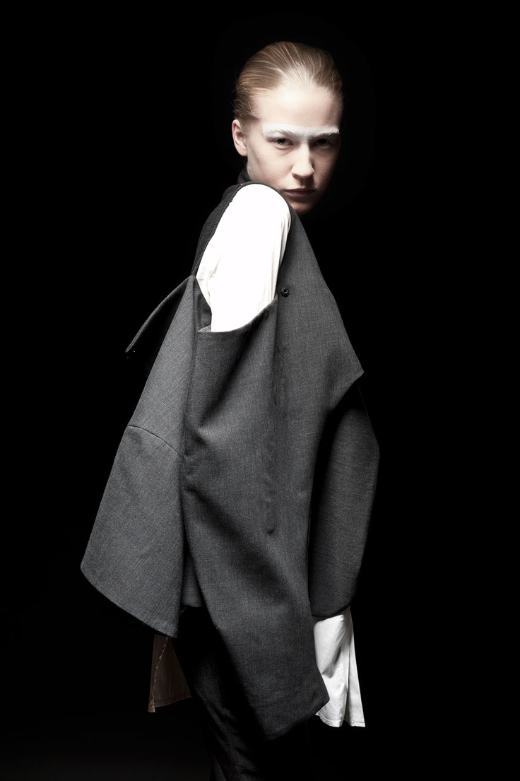 Deconstructed jacket by Caterina Ciuffoletti, Bunka Fashion College | muuse.com
