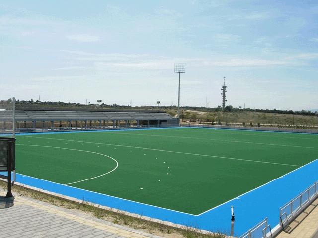 Realizacion de campos de futbol en cesped artficial con cinta de marcaje para futbol.