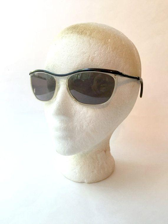 Vintage 1960s Women's Sunglasses. Mod Eyewear by GatewayHeirlooms
