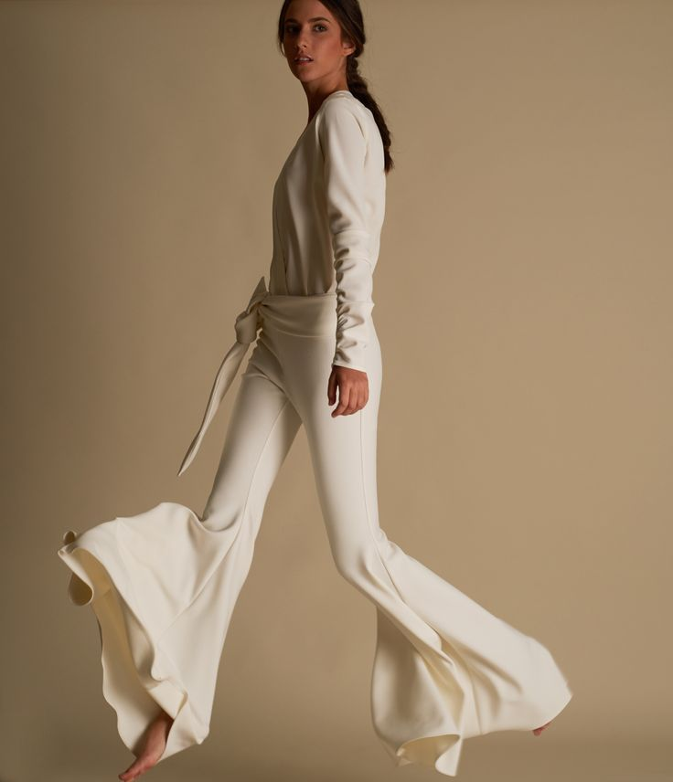 Silvia Tcherassi Resort 2017 - flared pants - draped sleeves - white look - casual chic