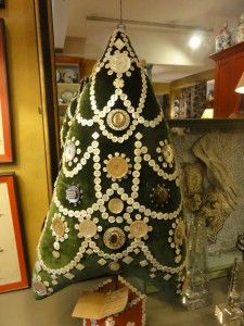 My Sheen Village - Shopping in White Hart Lane - Tobias and the Angel - Velvet and button Christmas Tree