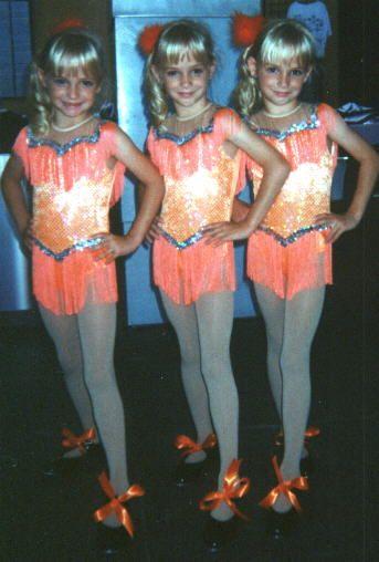 Dolan Wallpaper Iphone Calabrese Triplets Sisters Alexandria Lexi Megan And