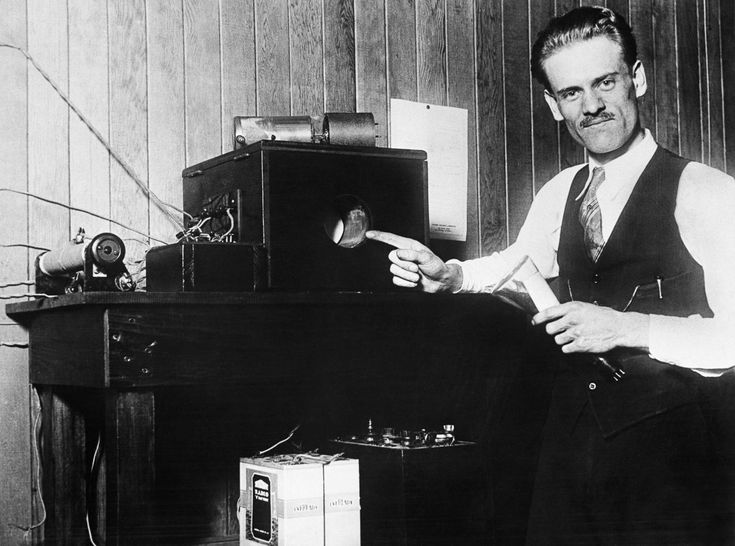 """Philo Farnsworth (1906–1971) Born in a log cabin built by his grandfather, prolific American inventor Philo Farnsworth was the creator of the first complete television system. Christening his camera the """"image dissector,"""" he commercialized his system in his company, the Farnsworth Television and Radio Corporation."""