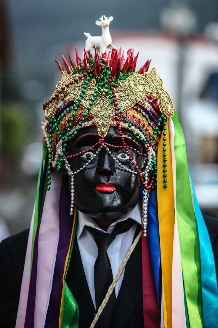 De la danza de Los Negros de Tingambato, fotografía de Jesús Cornejo.