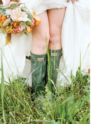 Hunter Green Wedding Wellies IS THIS NOT THE BEST IDEA EVER
