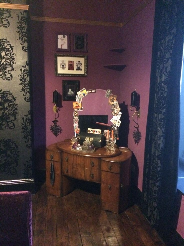 71 best images about place to hide on pinterest gothic for Purple gothic bedroom