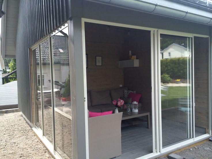 Utestue som en del av garasjen. Utført av Holøs Bygg.