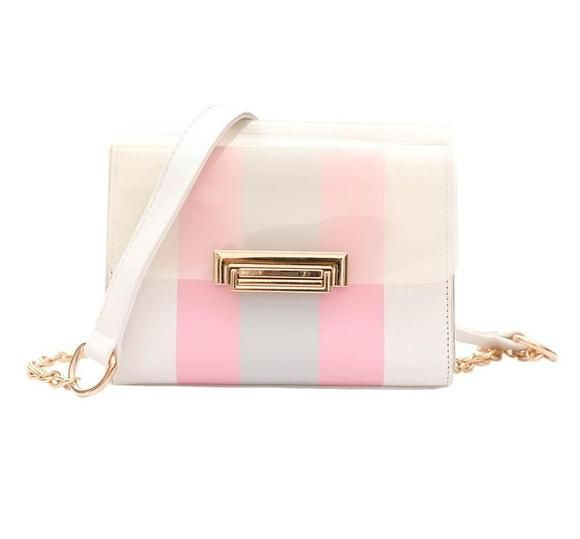 Update your spring wardrobe with our beautiful and stylish pink designer crossbody handbag.