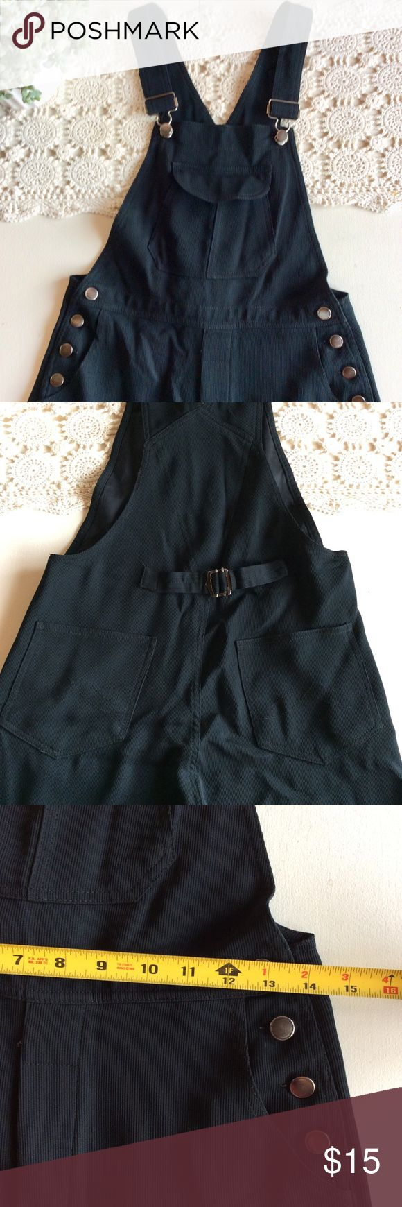 Garfield & Marks Dress Overall Gorgeous Black Overall! It has just a little torn, as it shows in the las picture. Perfect for dress up and wear with heels or just a jean jacket and booties 😍. Size SP. Love the fabric. So great for any season! Garfield & Marks Pants