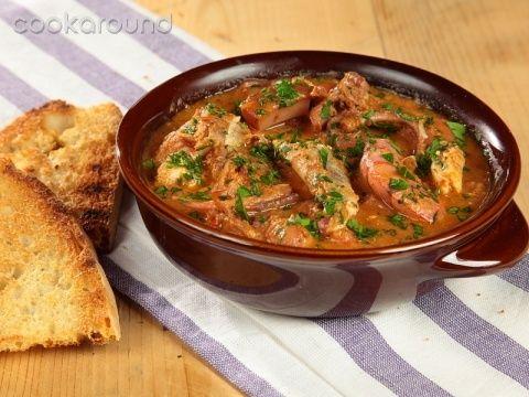 Cacciucco | Cookaround Video ricetta di un piatto simbolo della tradizione marinara italiana