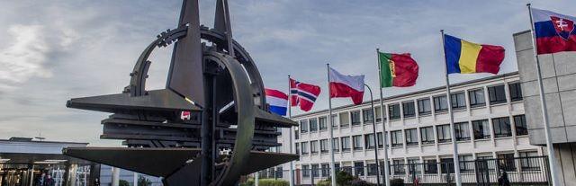 """Franse generaal: """"Frankrijk moet samenwerken met Rusland en uit de NAVO stappen"""" - http://www.ninefornews.nl/franse-generaal-frankrijk-moet-samenwerken-met-rusland-en-uit-de-navo-stappen/"""