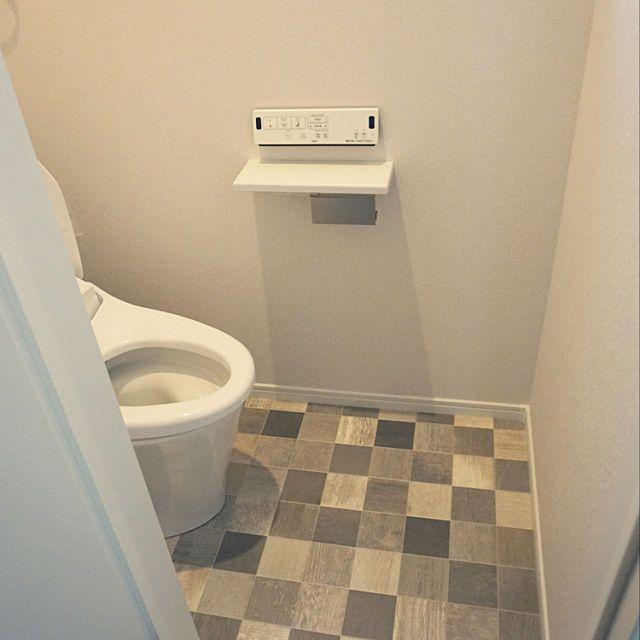 4ldkで 家族の バス トイレ 新築 クッションフロア サンゲツ リクシルのトイレについてのインテリア実例 2階トイレ この床が 2018 11 22 00 01 04に共有されました サンゲツ クッションフロア サンゲツ トイレ