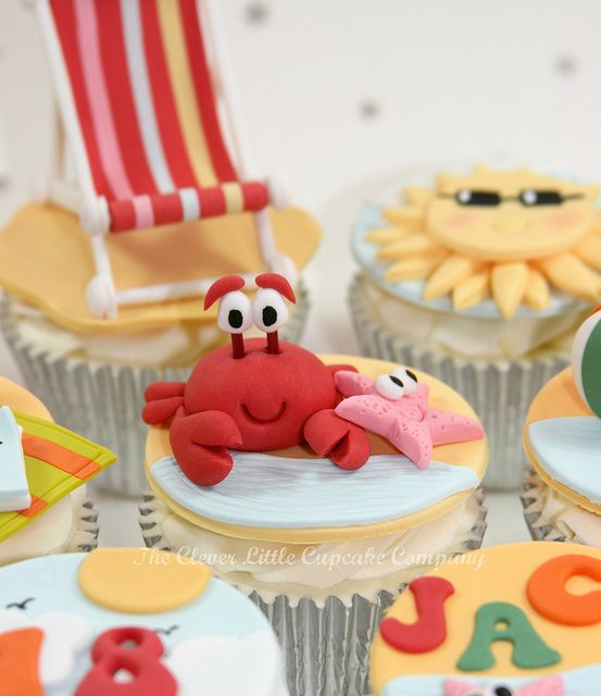 Crab and Starfish Cupcake by The Clever Little Cupcake Company (Amanda), via Flickr