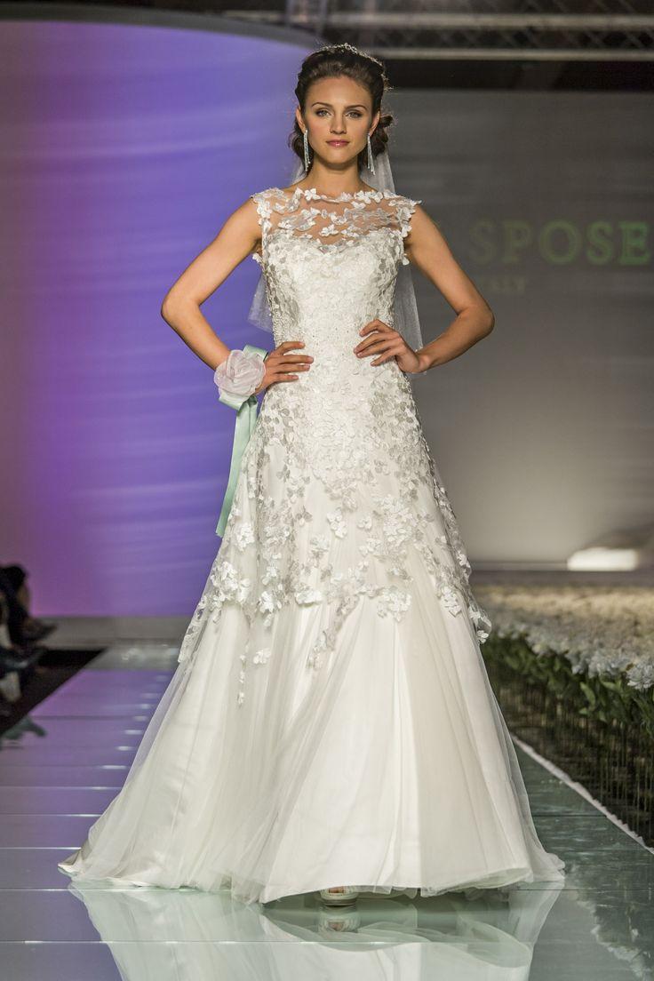 #milan #fashionshow  #abitidasposa #toispose #lace
