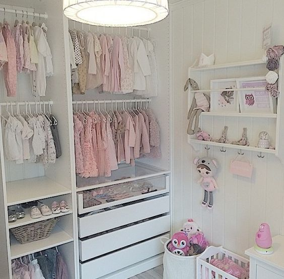 Kids Walk-in-Closet ^^