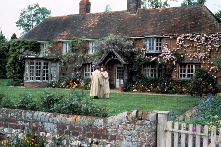 Howard's End.  The Castles and Manor Houses of Cinema's Greatest Period Films : Architectural Digest