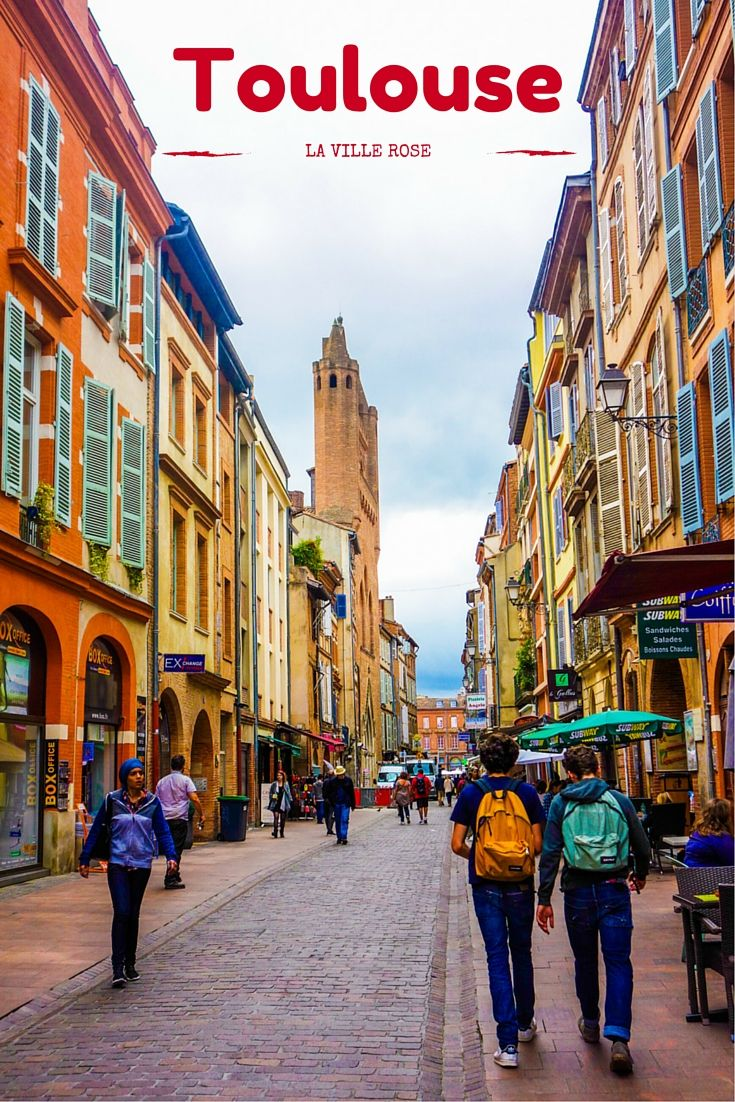Toulouse, in the South of France is very colorful and its nickname is the well-deserved Pink City. Come and discover the city through a photo essay!