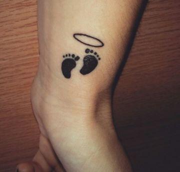 Diseños De Tatuajes De Huellas De Bebe En La Muñeca Tatuajes En El