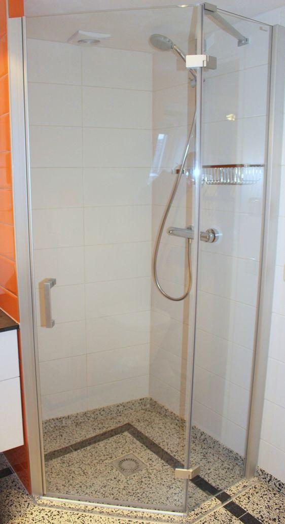 25 beste idee n over betegelde douches op pinterest - Betegelde douche ...