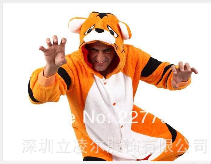 Дешевое 2014 Kigurumi пижамы все в одном Pyjama животных костюмы косплей Costum взрослых одежды фланель милый мультфильм sleepwears, желтый тигр, Купить Качество Пижамные комплекты непосредственно из китайских фирмах-поставщиках:             Kigurumi пижамы Все в одной пижаме животных костюмы для косплея костюм взрослого одежды мультфильм животных