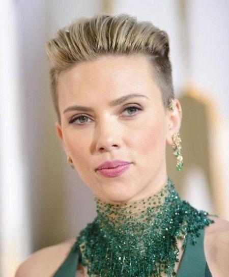 Taglio capelli corti Scarlett Johansson agli Oscar 2015