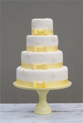 Daisy wedding cake - B Cake Studio - Check out navarragardens.com for info on a beautiful Oregon wedding destination!