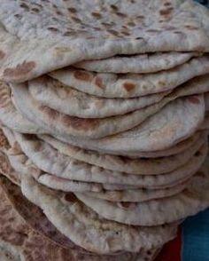 Här kommer receptet:SEGKAKORca 30-35 st1 l filmjölk1 dl sirap1 dl socker1 msk hjorthornssalt2 msk brödkryddor10-12 dl rågsikt10-12 dl vetemjöl OBS! Byt gärna ut 3-4 dl av mjölet mot kornmjöl så blir…