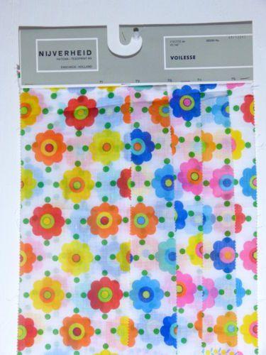 carte echantillons tissu voile hatema texoprint fleur mod vintage annees 60 70 nos mod daisy. Black Bedroom Furniture Sets. Home Design Ideas