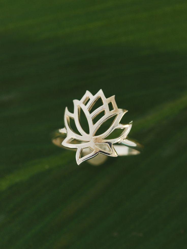 Full Lotus Flower Ring by TeriLeeJewelry on Etsy, $38.00