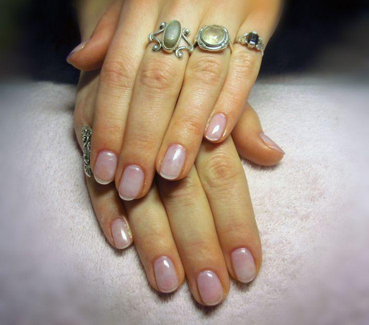 Přírodní nehty jsou přeci krásné