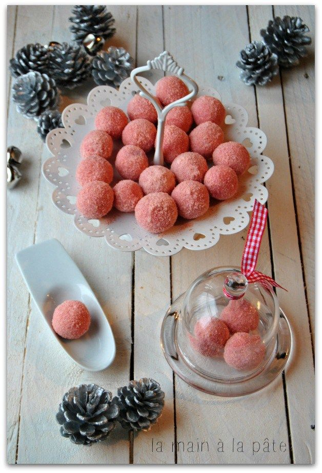 Truffe au chocolat blanc et biscuits roses