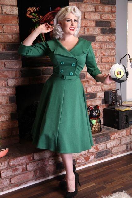 La robe secrétaire parfaite cercle en vert vintage   ROBES PIN UP ATTITUDE : Voici ici la fameuse robe secrétaire parfaite magnifiquement revisitée avec une forme cercle ultra féminine et surtout le splendide vert vintage! http://www.pinupattitude.com/gamme.htm?products_name=La+robe%20secr%E9taire%20parfaite%20cercle%20en%20vert%20vintage_id=1#  #robe #vintage #oldschool #rock #pinup #attitude #retro #50s #rockabilly #glam #bettiepage #secretaire