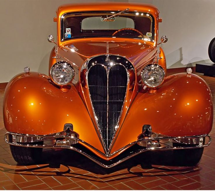 1933 Ford coupe                                                       …