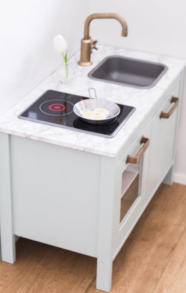 Ikea Duktig Hack, Farrow & Ball Teresa's Green, Brass faucet and handles, marble tabletop, children's kitchen DIY
