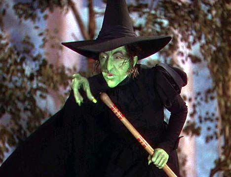 wicked witch of the west..Anybody else have nightmares over this wench?!