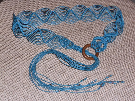 Macrame turquoise belt  with stones to tie di AngelaMacrame, €35.00