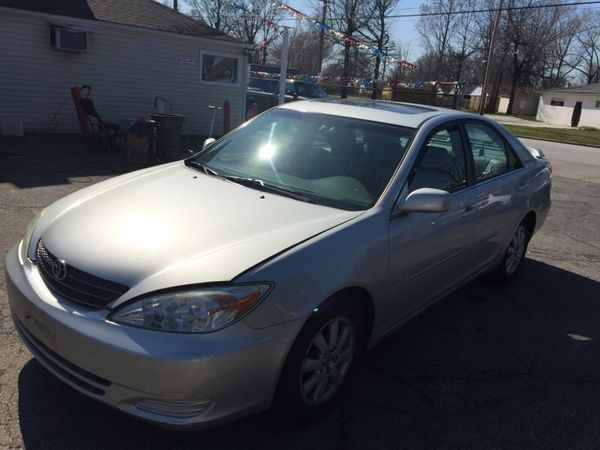 2002 Toyota Camry v6 in Cleveland, OH (sells for $1,200)