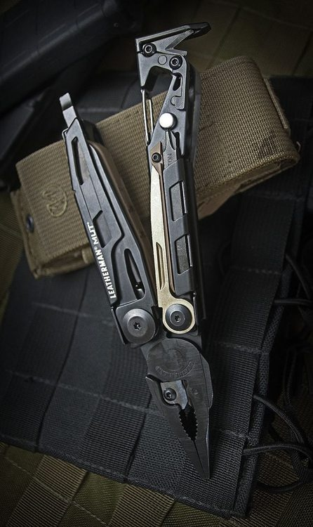 Leatherman MUT. Man I love this tool. Not quite every day carry, but every day gadget-cool! RegalosParaHombres.com https://twitter.com/regaloshombres