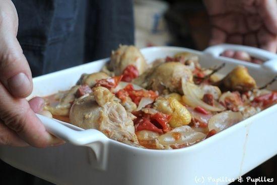 Poulet en cocotte aux oignons, tomates, vin blanc et chorizo »